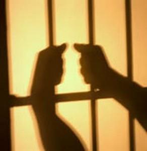 Com o Direito Penal do inimigo, o Direito Penal passa a ser prospectivo ao invés de retrospectivo. Fonte da imagem: http://atualidadesdodireito.com.br/robertoparentoni/2012/03/04/direito-penal-do-inimigo/